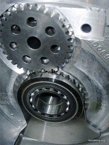 Balancer drive gears meshed. Note the felt-tip mark on the end.